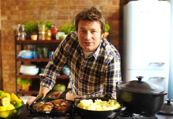 Mâncare de ciuperci à la Jamie Oliver cu cartofi picanți la cuptor | Agenția de presă Rador